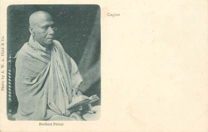 "CPA SRI LANKA  ""Prière d'un bouddhiste"""