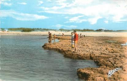 """.CPSM   FRANCE 17 """" Ile d'Oléron, Chaucre la pêche sur le rocher"""""""