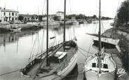 """17 Charente Maritime .CPSM   FRANCE 17 """" Ile d'Oléron, Boyardvillle, le port"""""""