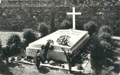 """.CPSM  FRANCE 85  """"Ile  d'Yeu, La tombe du Maréchal Pétain"""""""