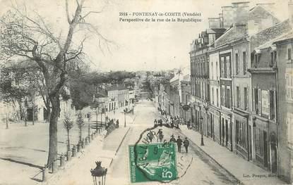 """.CPA FRANCE 85  """" Fontenay le Comte, Perspective de la rue de la République"""""""