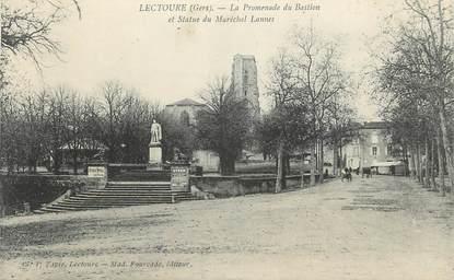 """. CPA  FRANCE 32 """" Lectoure, La promenade du Bastion et Statue du Maréchal Lannes"""""""