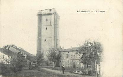 ". CPA  FRANCE 32 "" Bassaoues, Le donjon"""