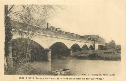 """. CPA FRANCE 32 """"Riscle, Le viaduc et le pont du chemin de ffer sur l'Adour"""""""