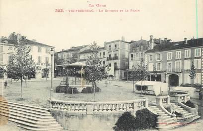 """. CPA FRANCE 32  """"Vic Fezensac, Le kiosque et la place"""""""