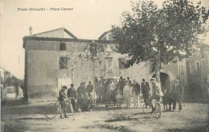 """.CPA FRANCE 34 """"  Pinet, Place Carnot"""""""