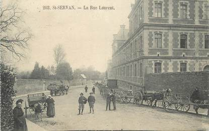 ". CPA FRANCE  35 ""St  Servan,  Rue St Laurent"""