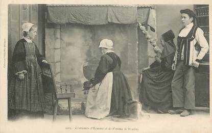 "CPA  FRANCE 56 ""Pontivy, costumes"" / FOLKLORE"