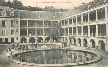 """CPA FRANCE 71 """"Bourbon Lancy, cour des Bains"""""""