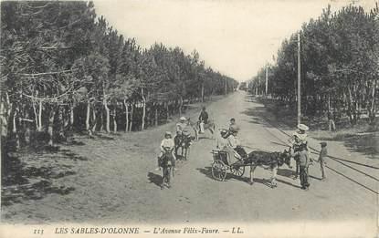 """.CPA FRANCE 85 """"Les Sables d'Olonne, Avenue Félix Faure"""" / ANES"""
