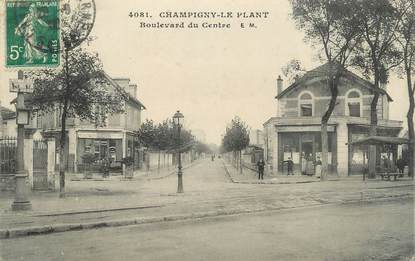""".CPA FRANCE 94  """" Champigny Le Plant, Boulevard du Centre"""""""