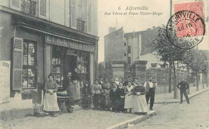 """CPA FRANCE 94 """"Alfortville, rue Véron et Place Victor Hugo"""""""