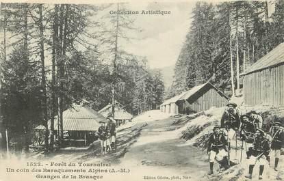 """.CPA  FRANCE 06  """"Le Tournairet, La forêt, un coin des baraquements alpins"""" / CHASSEURS ALPINS"""