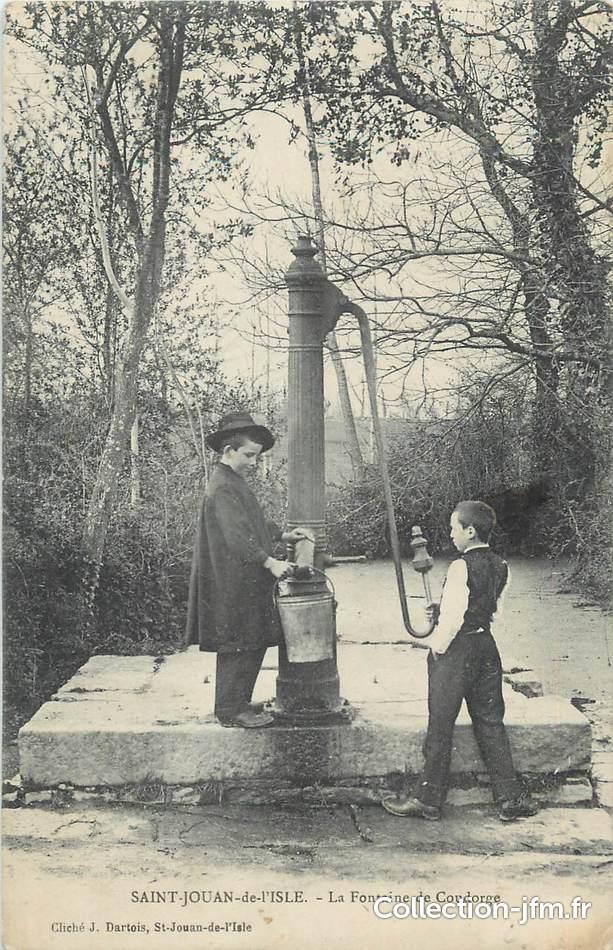 Cpa france 22 st jouan de l 39 isle la fontaine de for Garage galivel saint jouan de l isle