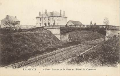 """. CPA  FRANCE 87 """"La Meyze, Le pont , l'avenue de la gare et l'hôtel du commerce"""""""