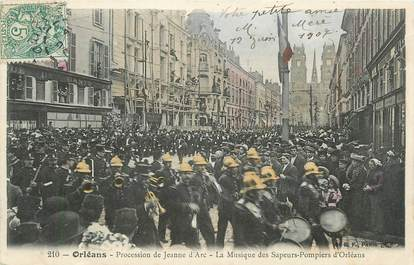 """.CPA  FRANCE 45 """"Orléans, La procession de Jeanne d'Arc, la musique des sapeurs pompiers""""/POMPIERS"""