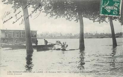 ".CPA  FRANCE 45 ""Orléans, Les inondations de la Loire 21 octobre 1907 """