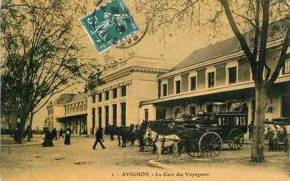 """.CPA  FRANCE 84 """"Avignon, La gare des voyageurs"""""""