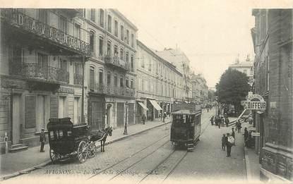 """.CPA  FRANCE 84 """"  Avignon, Rue de la République  """" / TRAMWAY"""