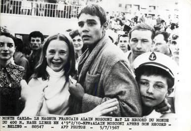 """PHOTO ORIGINALE DE PRESSE  /  FRANCE 06 """"Monaco, le nageur français A. MOSCONI, recordman du monde du 400m nage libre"""" / 1967 / NATATION"""