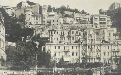 "CPA ITALIE ""Naples, Piazza principe Amedeo"""
