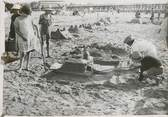 "France PHOTO ORIGINALE / FRANCE 14 ""Trouville, concours de chateaux de sable"""