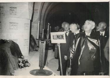 """PHOTO ORIGINALE / FRANCE 55 """"Douaumont, manifestations en faveur de la paix"""""""
