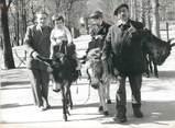 """75 Pari PHOTO ORIGINALE / FRANCE 75 """"Paris, promenade à dos d'âne pour ces enfants aux Tuileries"""""""