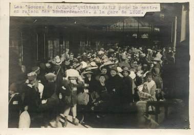 """PHOTO ORIGINALE / FRANCE 75 """"Paris, les gosses de Poulbot quittant Paris pour le centre en raison des bombardements, à la gare de Lyon"""""""