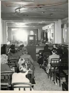 """PHOTO ORIGINALE / FRANCE 75 """"Paris, la télévision dans une Brasserie du Bld Sébastopol, 1948"""""""