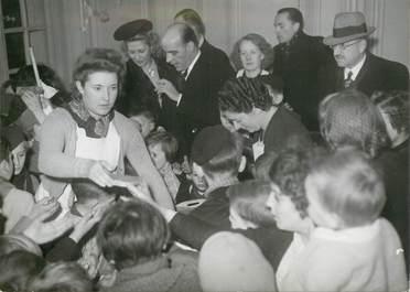 """PHOTO ORIGINALE / FRANCE 76 """"Rouen, Inauguration de la première garderie d'enfants des ouvriers français travaillant en Allemagne"""""""