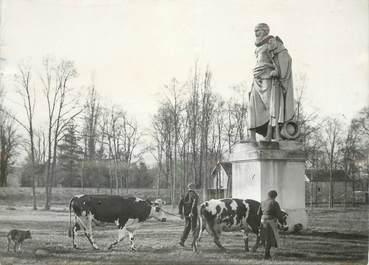 """PHOTO ORIGINALE / THEME """"Statue de Sully """""""