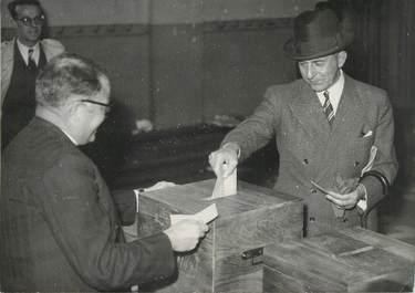 "PHOTO ORIGINALE / THEME ""1945, Vote du Gal Delattre de Tassigny"""