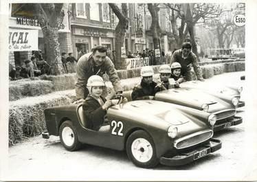 PHOTO ORIGINALE / THEME AUTOMOBILE ENFANT