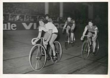 PHOTO ORIGINALE / THEME CYCLISME