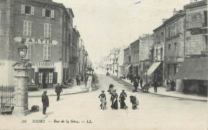 ".CPA  FRANCE 79  ""  Niort, Rue de la gare"""