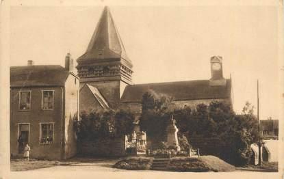 """. CPA  FRANCE 02 """"Marchais, L'église et le monument aux morts"""""""