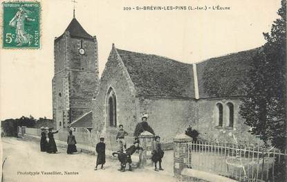 ".CPA  FRANCE 44 ""St Brévin les Pins L'église"""