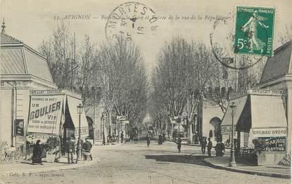 """.CPA  FRANCE 84 """" Avignon, Buvette de la gare et entrée de la rue de la République"""""""