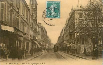 """.CPA  FRANCE 84 """" Avignon,  Rue de la République"""""""