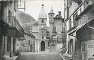 """15 Cantal . CPSM   FRANCE 15 """"  Murat, La place Marchande et l''église"""""""