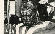 """Theme PHOTO ORIGINALE /  THEME """"Londres, vente aux enchères  des objets de l'ambassade d'Allemagne, 1945, ici le buste d'Hitler"""""""