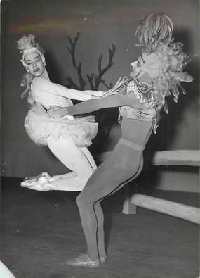 "PHOTO ORIGINALE / THEME ""1954, ballet de Alwynn, l'Idylle"""