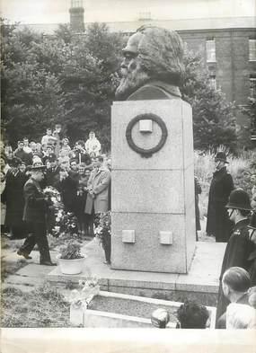 "PHOTO ORIGINALE / THEME ""Gargarine sur la tombe de Karl Marx, 1961"""