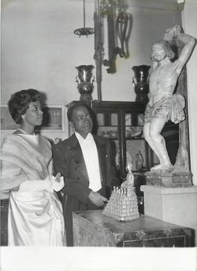 """PHOTO ORIGINALE / THEME """"28ème Bal des petits lits bla,cs, ici premier minister de la Côte d'Ivoire, 1959"""""""
