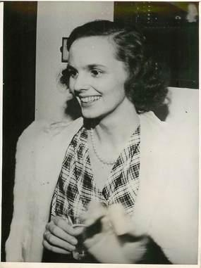 """PHOTO ORIGINALE / THEME """"Princesse Anne de Bourbon Parme à Lausanne, 1945"""""""