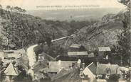 """56 Morbihan CPA FRANCE 56 """"Rochefort en Terre, le vieux bourg et la vallée du Gueuson"""""""