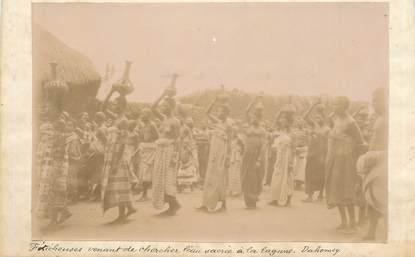 """PHOTO ORIGINALE / AFRIQUE / """"Dahomey, Féticheuses venant de chercher l'eau sacrée à la lagune"""""""