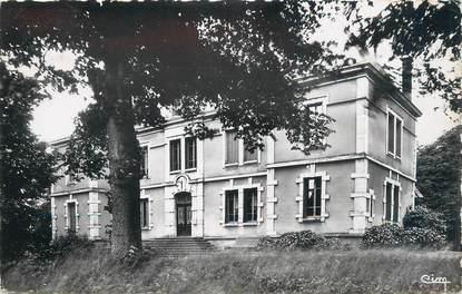 """CPSM FRANCE 01 """" St André de Corcy, Château de Vernange""""."""