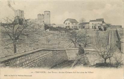 """CPA FRANCE 01 """" Trévoux, Les tours, ancien château fort des sires de villars""""."""